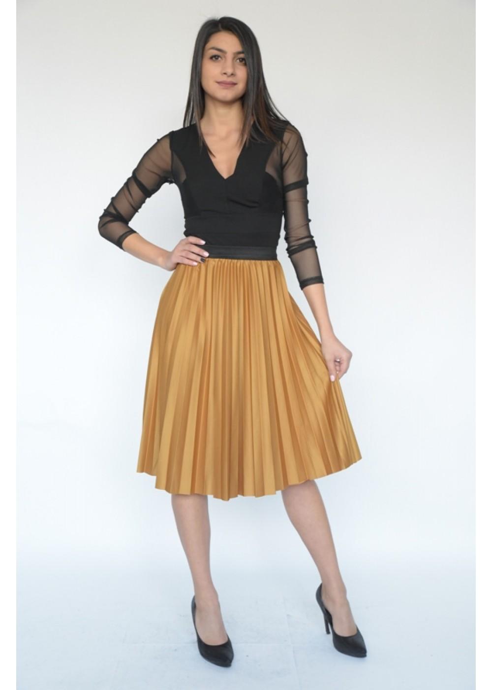 Стилна плисирана пола